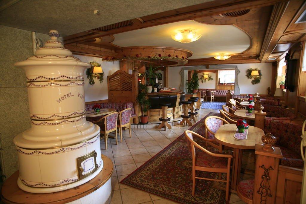 Alpen Hotel Vidi - Sala con Stube