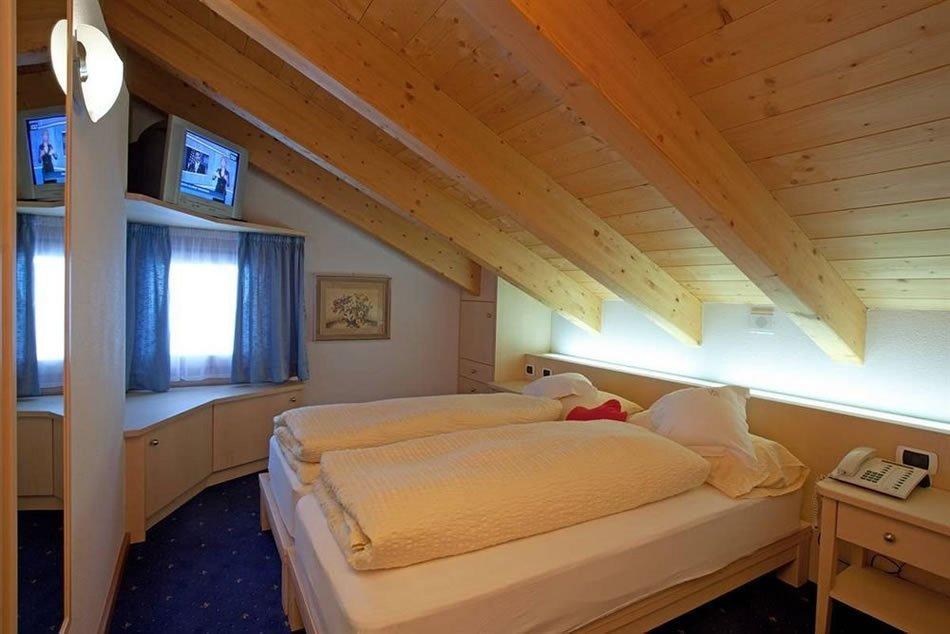 Hotel La Suisse - Una camera