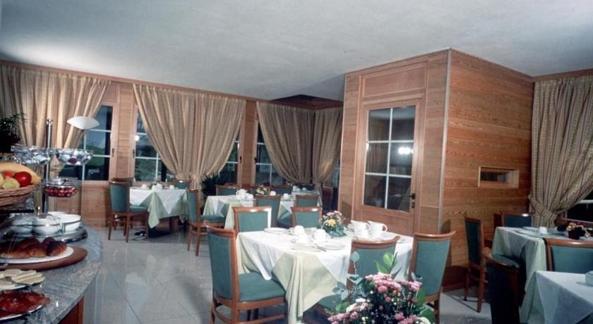 Hotel Garnì Enrosadira - Ristorante