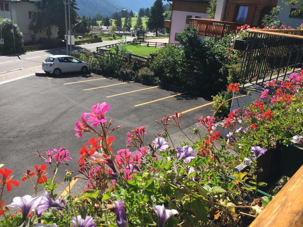 Hotel Garnì Enrosadira - Parcheggio