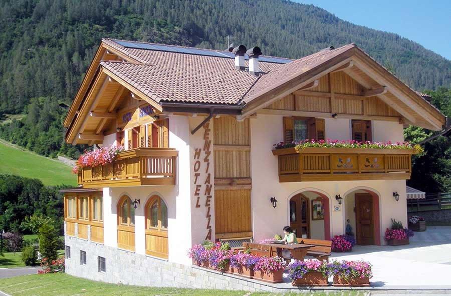 Hotel Genzianella Commezzadura