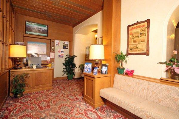 Hotel Pinzolo Dolomiti - Hall