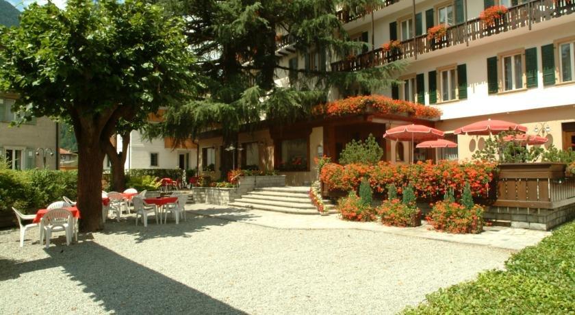 Hotel Pinzolo Dolomiti - Esterno struttura