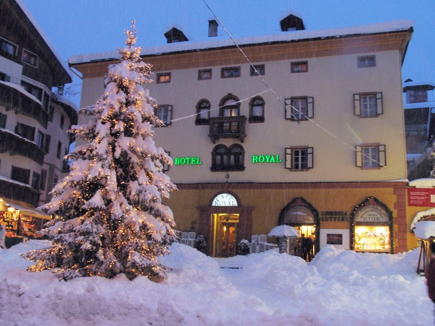 Hotel Meublè Royal Cortina