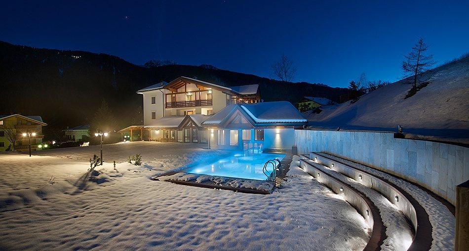 Hotel salvadori mezzana marilleva offerte albergo - Hotel con piscina trentino ...