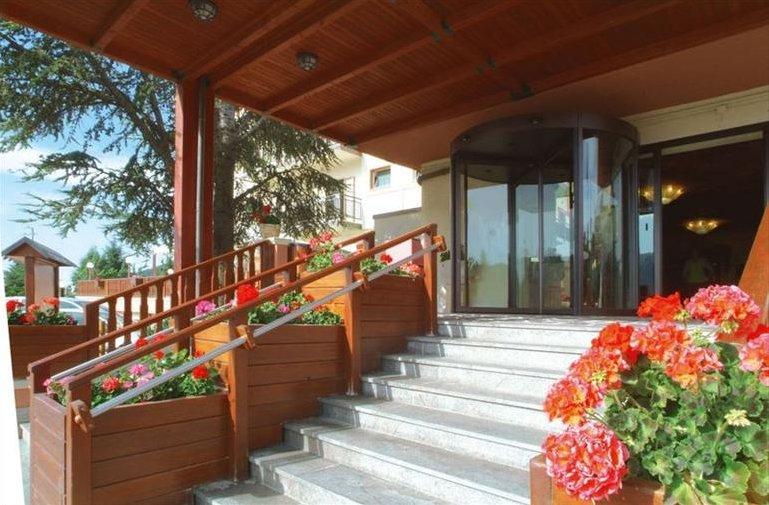 Magnola Palace Hotel - Ingresso struttura