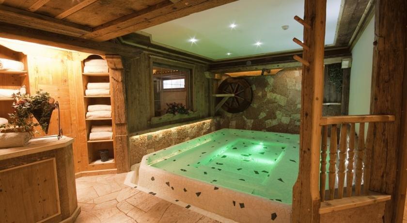 Wellness Hotel Dolomia - Vasca idromassaggio