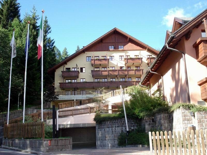 Nevesole Folgarida Resort Folgarida