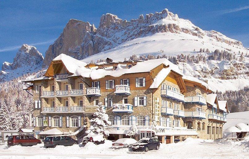 Hotel A Carezza Con Piscina