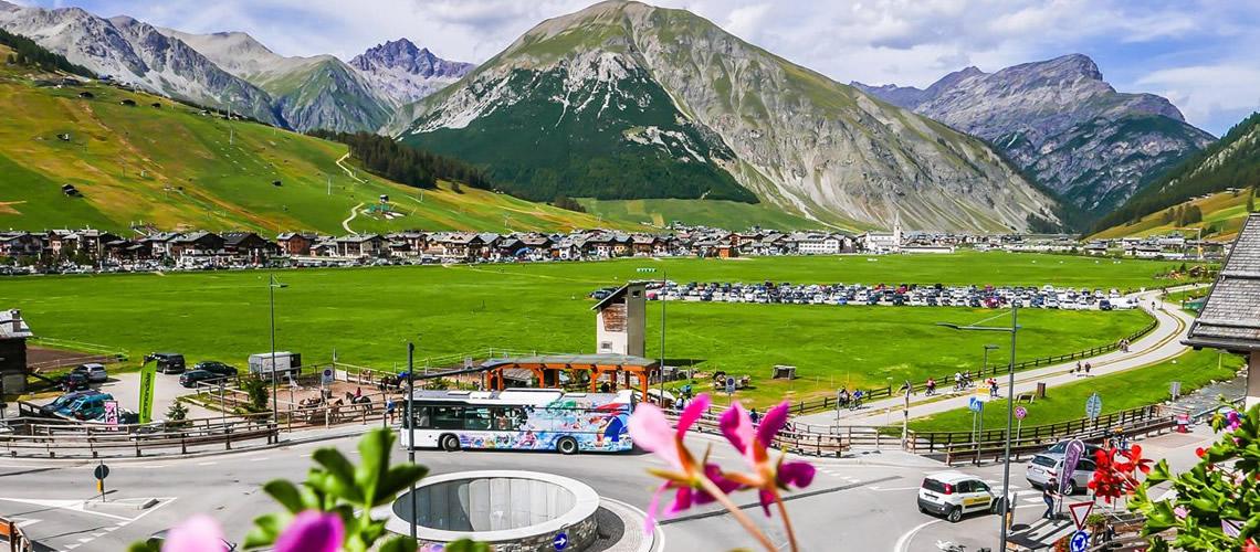 Livigno Alta Valtellina Vacanze A Livigno Alberghi E Hotel Livigno Offerte Speciali Pacchetti Neve